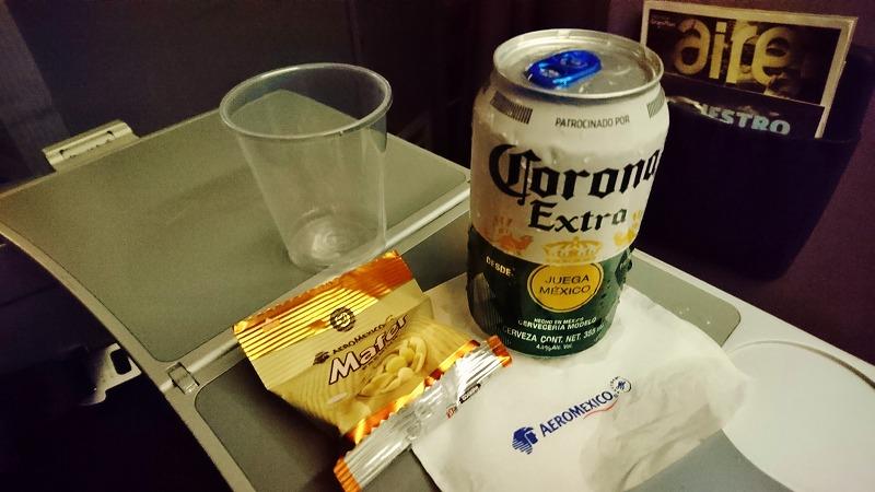 アエロメヒコ 機内食 コロナ ビール