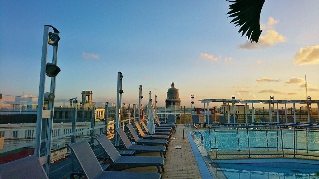 ハバナのホテル プール