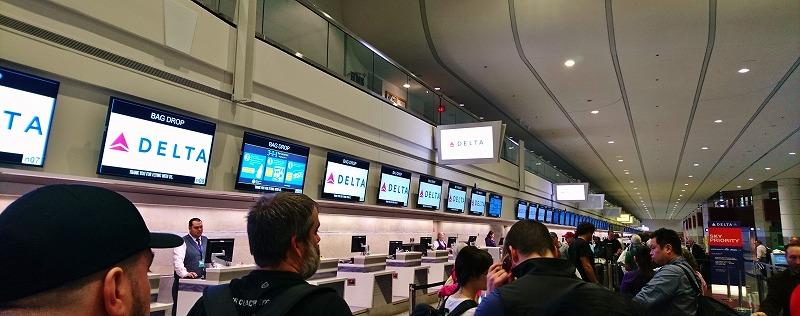 ラスベガス マッカラン国際空港 デルタ航空