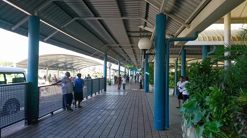 ポートモレスビー空港 国際線ターミナル から 国内線ターミナル 移動