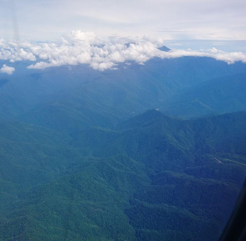 ニューギニアエアー パプアニューギニア オーウェンスタンレー山脈