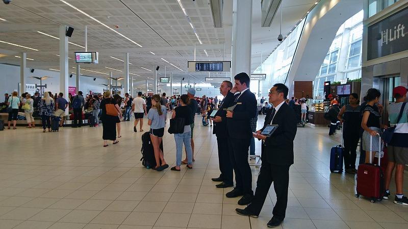 アデレード空港