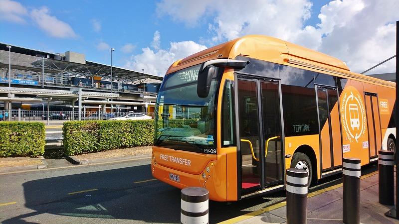 ブリスベン空港 ターミナル シャトル バス 乗り換え